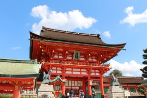 京都 伏見稲荷 初詣 混雑