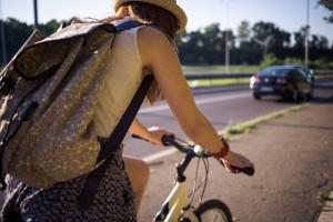 自転車 リュック 背中 汗
