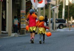 ハロウィン 幼稚園 仮装